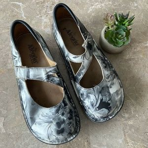 Alegria Dayna 368 Floral Watercolor Mary Jane Shoe